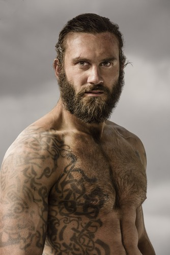 vikingos (serie de televisión) wallpaper probably with a portrait titled Vikings Rollo Season 3 Official Picture