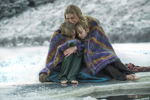 "Vikings (TV Series) karatasi la kupamba ukuta probably containing a vazi, pazia and a poncho entitled Vikings ""Scarred"" (3x04) promotional picture"