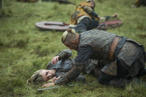 "vikingos (serie de televisión) wallpaper possibly containing a atirador and a green boina titled Vikings ""Warrior's Fate"" (3x03) promotional picture"