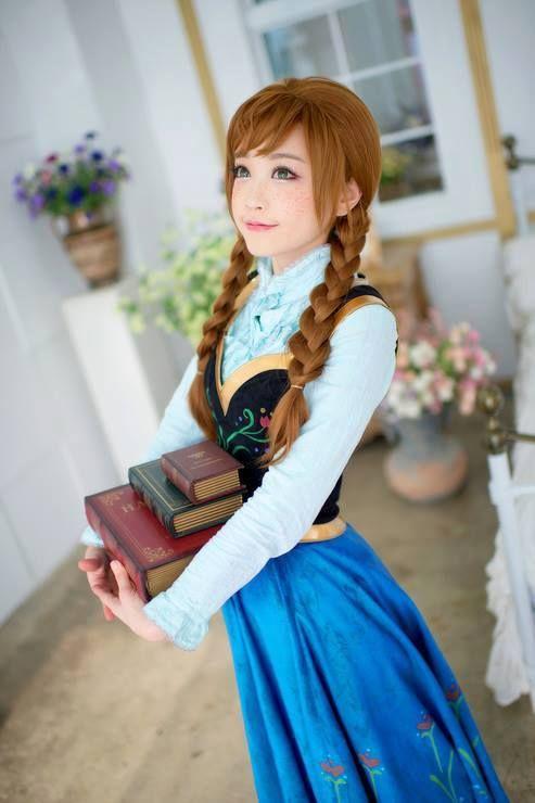 anna cosplay