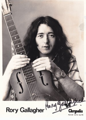 autographed Rory Gallagher publicity 사진