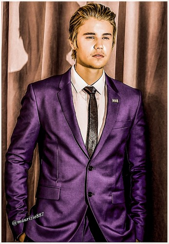 Justin Bieber hình nền containing a business suit, a suit, and a double breasted suit called justin bieber 2015