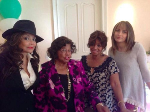 paris jackson wallpaper entitled latoya jackson, katherine jackson, rebbie jackson and paris jackson