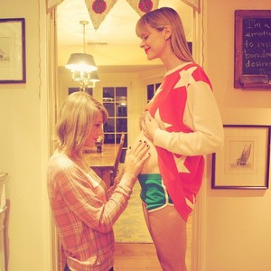 taylor's going to be a godmother! =D