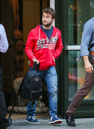 (Exclusive) Daniel Radcliffe Spotted in NYC! (Fb.com/DanieljacobRadcliffeFanClub)