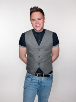 Olly Murs karatasi la kupamba ukuta possibly containing bellbottom trousers, a pantleg, and flannel called Faze Magazine