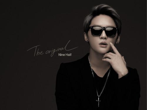 JYJ kertas dinding containing sunglasses called Kim Junsu