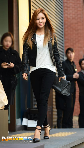 Kpop wallpaper with a business suit, a well dressed person, and a hip boot titled      Kwon Yuri