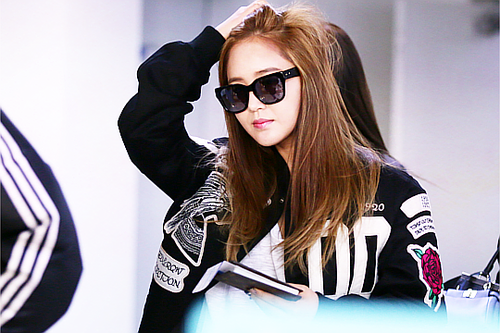 Kpop wallpaper with sunglasses called      Kwon Yuri
