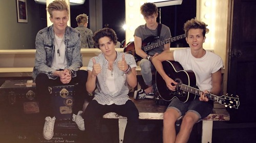 The Vamps پیپر وال containing a guitarist entitled The Vamps