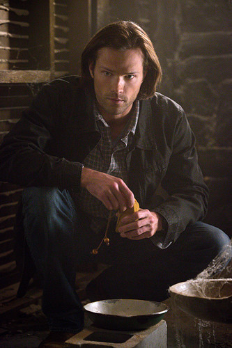 Sam Winchester wolpeyper possibly with a fire, a spatula, and a business suit called 10 x19 The Werther Project