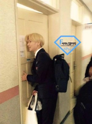 150325 TV mostra 'I'm Going to School' (rec.) - TAEMIN