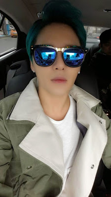 JYJ দেওয়ালপত্র containing sunglasses entitled 150406 Junsu Twitter Update