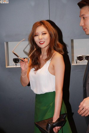 15042015 Hyuna at I.T Gentle Monster Event