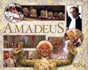 Amadeus kertas dinding
