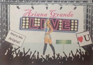 Ariana Grande LIVE!!!