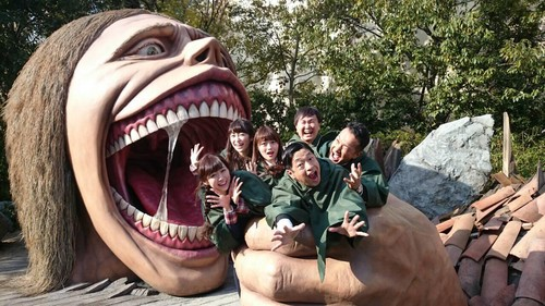Shingeki no Kyojin (Attack on Titan) Hintergrund titled Attack on Titan Theme Park