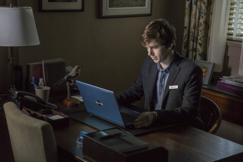 "Bates Motel wallpaper with a laptop titled Bates Motel ""The Deal"" (3x05) promotional picture"