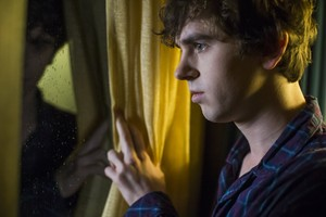 "Bates Motel ""Unbreakable"" (3x04) promotional picture"