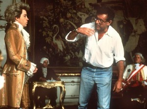 Behind the scenes - Milos Forman directing Ton Hulce