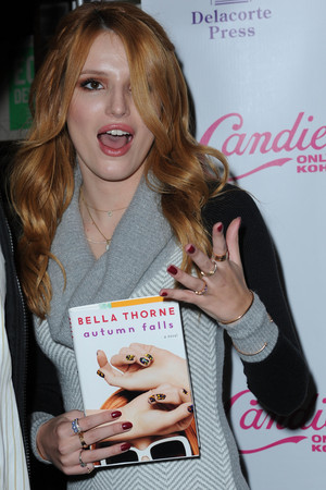 Bella Thorne at her 'Autumn Falls' book signing at Barnes