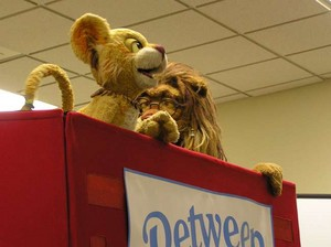 Between the Lions: Theo and Leona