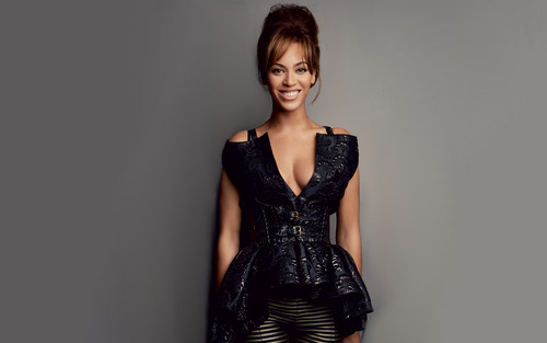 Beyonce wallpaper with a dinner dress entitled Beyonce Vogue 2012