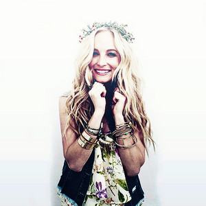 Candice Accola edits and ikon-ikon