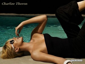 Charlize Theron 金牌