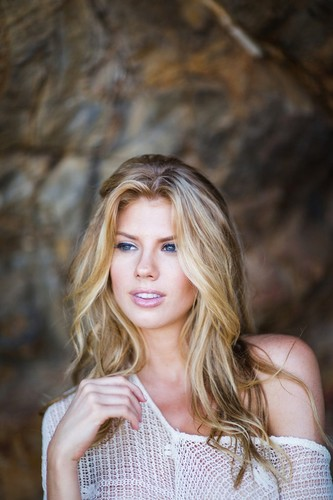 charlotte McKinney achtergrond possibly containing a portrait titled charlotte McKinney