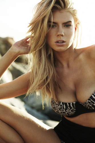 charlotte McKinney wallpaper containing skin entitled charlotte McKinney