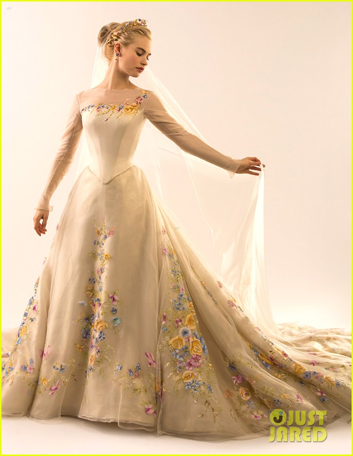 Cinderella 39 s wedding dress cinderella 2015 photo for Image of wedding dresses
