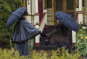 Clea Duvall as Emma Borden and Christina Ricci as Lizzie Borden in The Lizzie Borden Chronicles