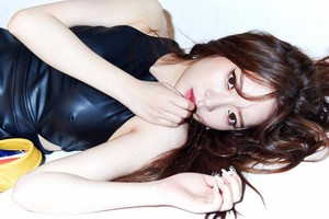 Dal Shabet's Ahyoung drops her own sexy B-cut