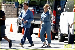 Ed Westwick and Erika Christensen Start Filming New TV tunjuk 'L.A. Crime'