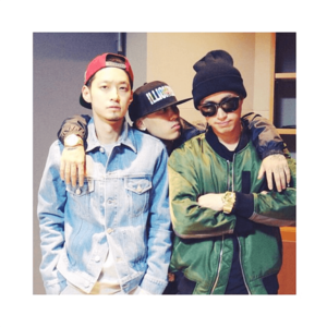 Epik High's Tablo takes a фото with fellow 'Show Me The Money' producers