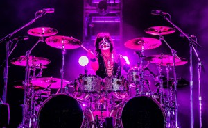 Eric Singer ~Quito Ecuador, April 12, 2015