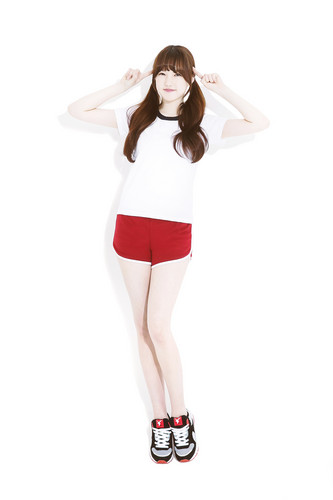 GFriend wallpaper with a legging called GFriend for AKIII Classic Spring 2015