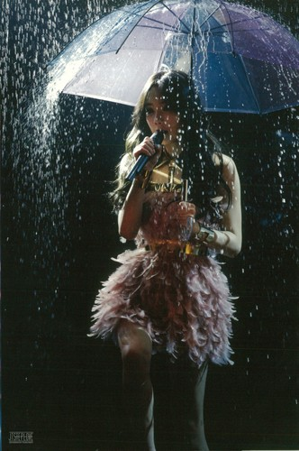 taeyeon (snsd) wallpaper with a air mancur and a parasol called Girls Generation Taeyeon The Best Live at Tokyo Dome