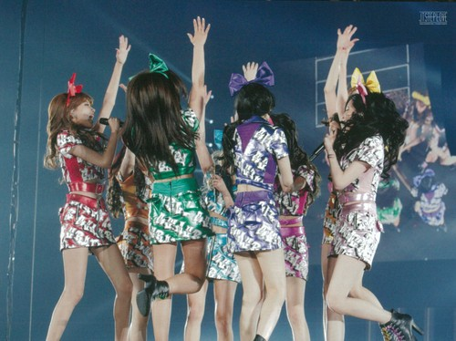 Girl's Generation/SNSD karatasi la kupamba ukuta entitled Girls Generation The Best Live at Tokyo Dome