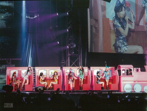 Girls Generation/SNSD wallpaper called Girls Generation The Best Live at Tokyo Dome