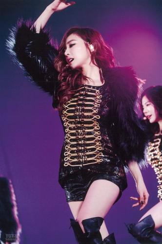 Tiffany Hwang fondo de pantalla titled Girls Generation Tiffany The Best Live at Tokyo Dome