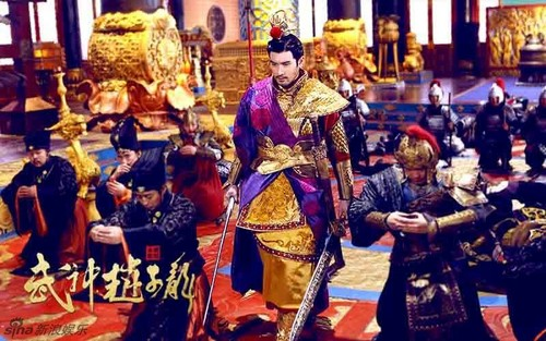 Godfrey Gao 바탕화면 containing a surcoat, 외투 titled God of War