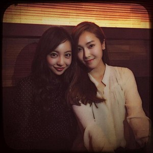 Jessica celebrating her birthday with Itano Tomomi