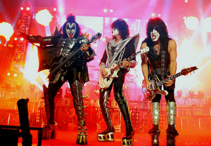 Kiss ~Movistar Arena ~Santiago, Chile…Tuesday, April 14, 2015