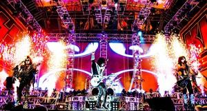 Kiss ~Stadium El Campin…Bogota, Colombia April 10, 2015
