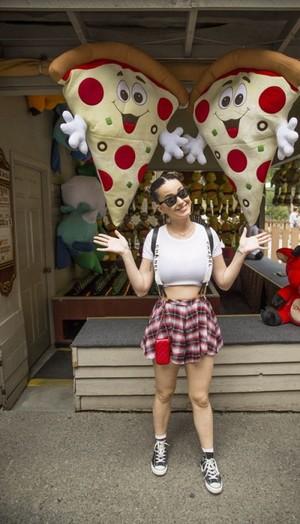 Katy Perry Visiting Dollywood