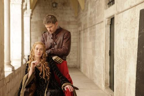 Game of Thrones kertas dinding containing a jalan entitled Lena Headey and Nikolaj Coster-Waldau - TV Guide