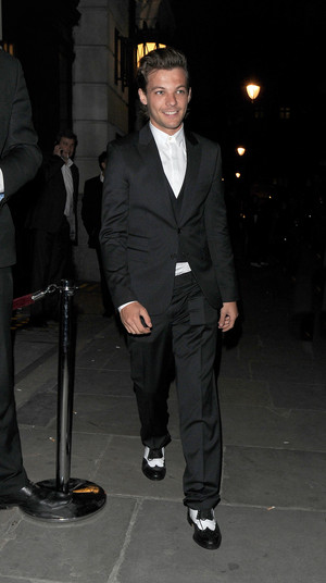 Louis leaving Bloomsbury Ballroom