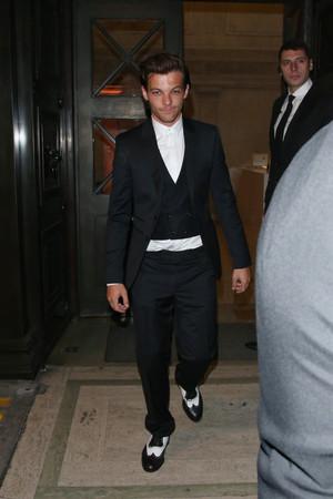 Louis leaving Bloomsbury Ballroom
